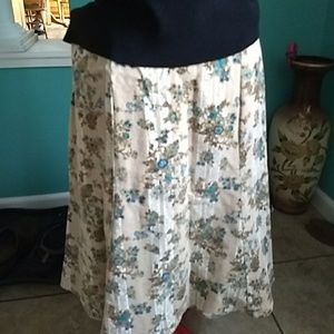 Cordoroy Flowered Skirt